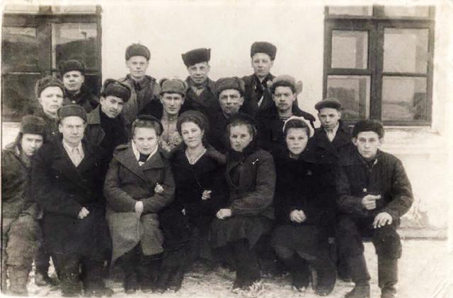 http://images.vfl.ru/ii/1590514975/0e494677/30629593_m.png