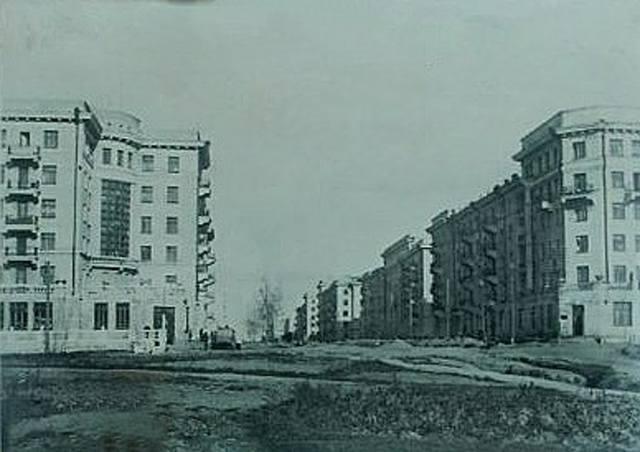 http://images.vfl.ru/ii/1594129474/b2b90e22/31012283_m.jpg