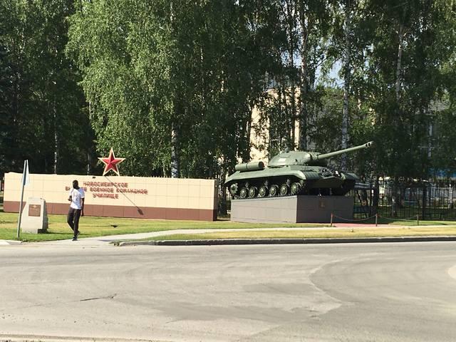 http://images.vfl.ru/ii/1594193259/1d36e9f1/31018254_m.jpg