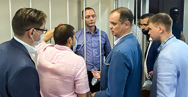 Минюст вновь попытается привлечь к дисциплинарной ответственности адвоката Павлова из-за дела журналиста Сафронова - Новости радио OnAir.ru