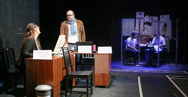 Радиостанция на сцене. Театр на Таганке открыл сезон спектаклем «Белый шум» - Новости радио OnAir.ru