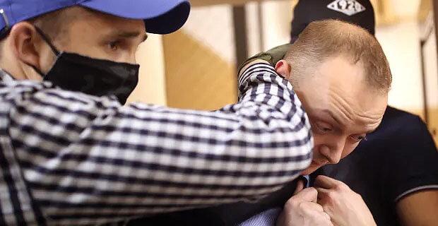 Журналист Иван Сафронов отказался давать показания до уточнения сути предъявленных ему обвинений - Новости радио OnAir.ru