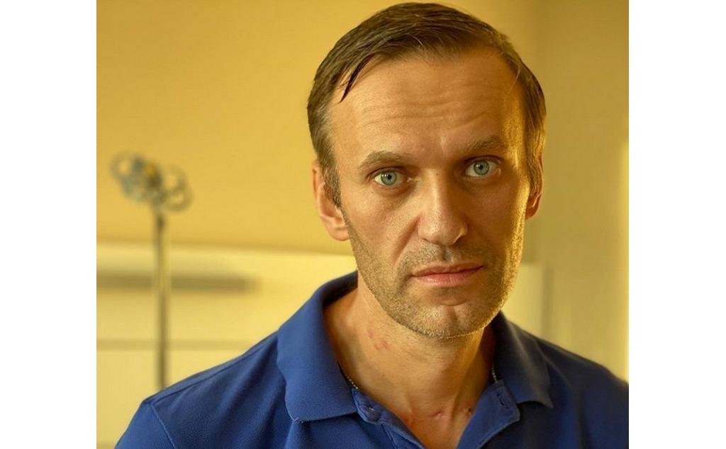 Ответ Навального Путину: Сварил на кухне Новичок. Тихо отхлебнул из фляжки в