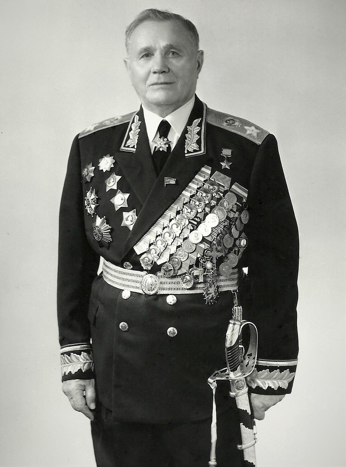 Маршал Советского Союза Герой Советского Союза Андрей Иванович Ерёменко