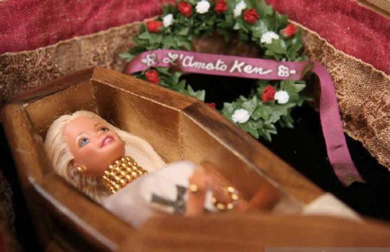 барби в гробу