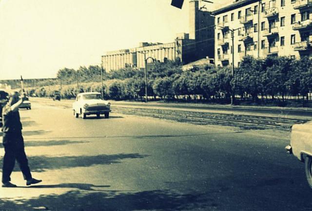 http://images.vfl.ru/ii/1609260411/79e4167a/32808542_m.jpg