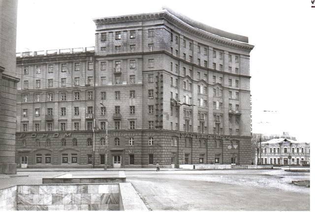 http://images.vfl.ru/ii/1611675877/e2b4d4f6/33104839_m.jpg