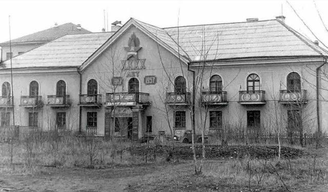http://images.vfl.ru/ii/1616425461/40e2ea58/33775137_m.jpg