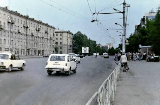 http://images.vfl.ru/ii/1617041081/62583a80/33871173_m.jpg