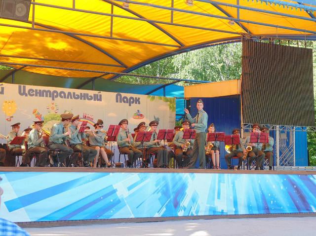 http://images.vfl.ru/ii/1619344225/f1e3192b/34215362_m.jpg