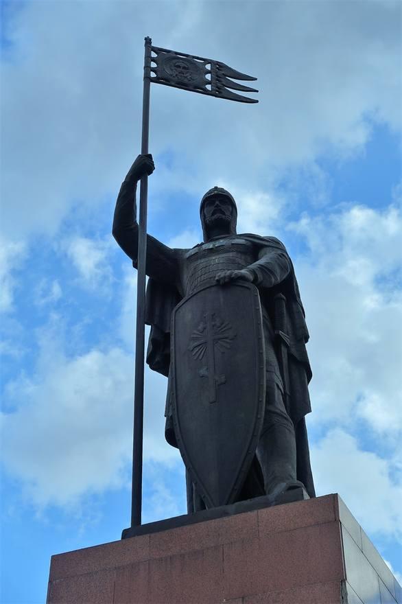 памятник А. Невскому в Городце