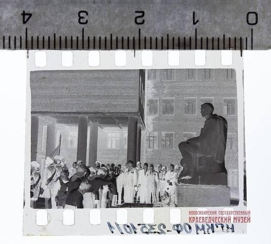 http://images.vfl.ru/ii/1621399491/c9bf991f/34504586_m.jpg