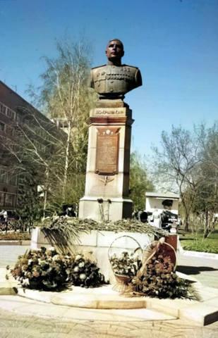 http://images.vfl.ru/ii/1622174830/10e77b6c/34614581_m.jpg