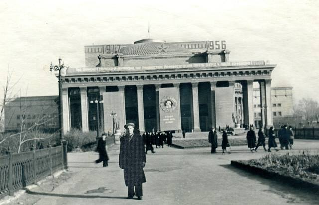 http://images.vfl.ru/ii/1626428016/e0540230/35175003_m.jpg