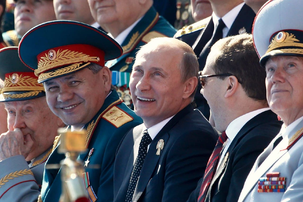 Статья Путина, бритая наголо