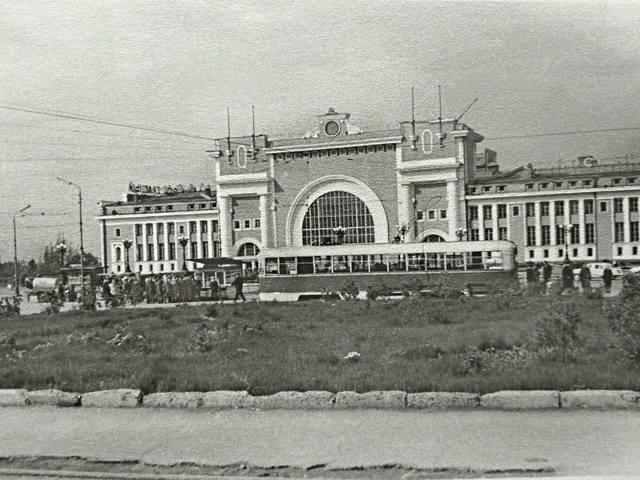http://images.vfl.ru/ii/1627095622/f61697ce/35263129_m.jpg