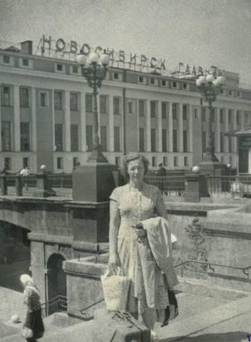 http://images.vfl.ru/ii/1630237832/c713a443/35665544_m.jpg