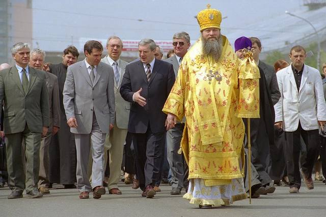 http://images.vfl.ru/ii/1633712912/8de7ede9/36179325_m.jpg